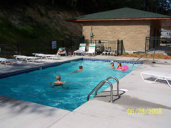 campground with pool in Pigeon Forge