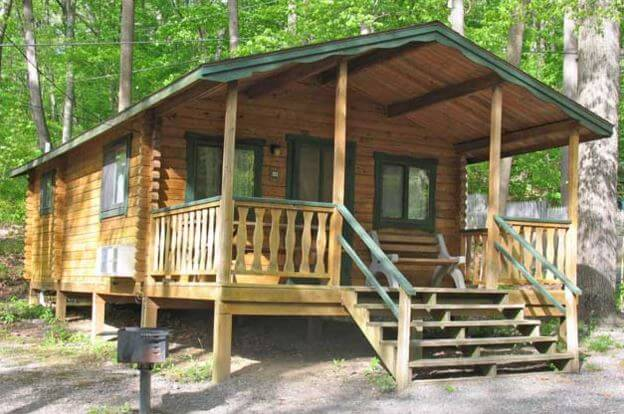 Oak creek campground for Cottages at camp creek